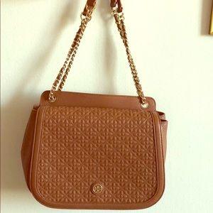 EUC Tory Burch tan quilted chainlink handbag purse